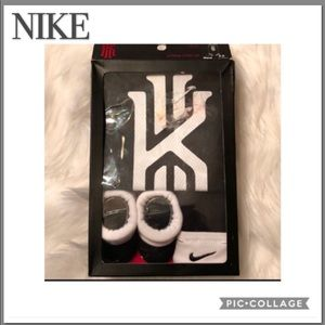 NIKE KYRIE 3 PIECE INFANT SET 0-6 MONTH